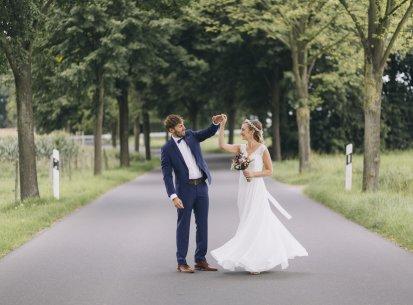 Für mehr Hochzeitstänze unter freiem Himmel. Karo ♡ Max