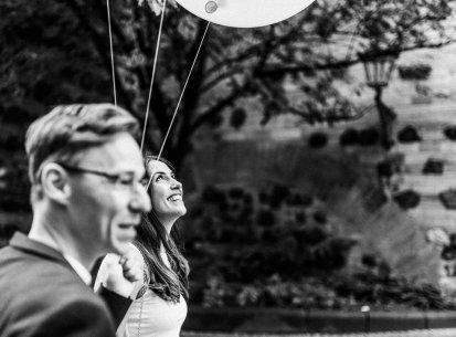 Für mehr Hochzeits-Spaziergänge durch Bonn. Maria ♡ Chris